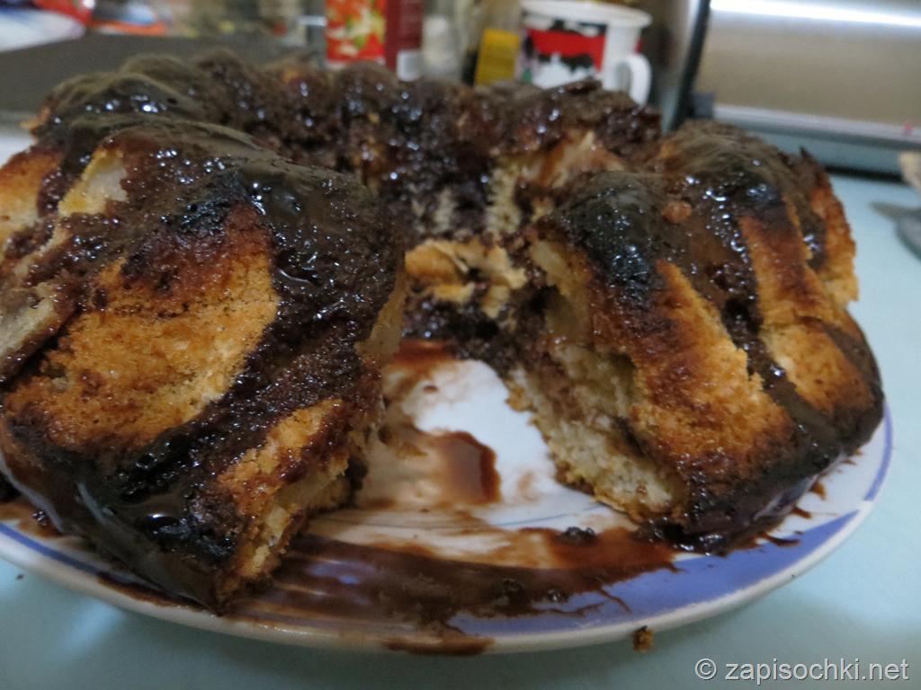 Бисквит с яблоками (шарлотка)