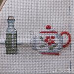 Вышивка крестиком: бутылка с оливковым маслом